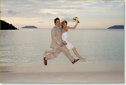 couple_jumping