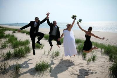 wedding-party-jump
